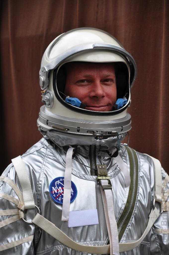 apollo space suit rental - photo #20