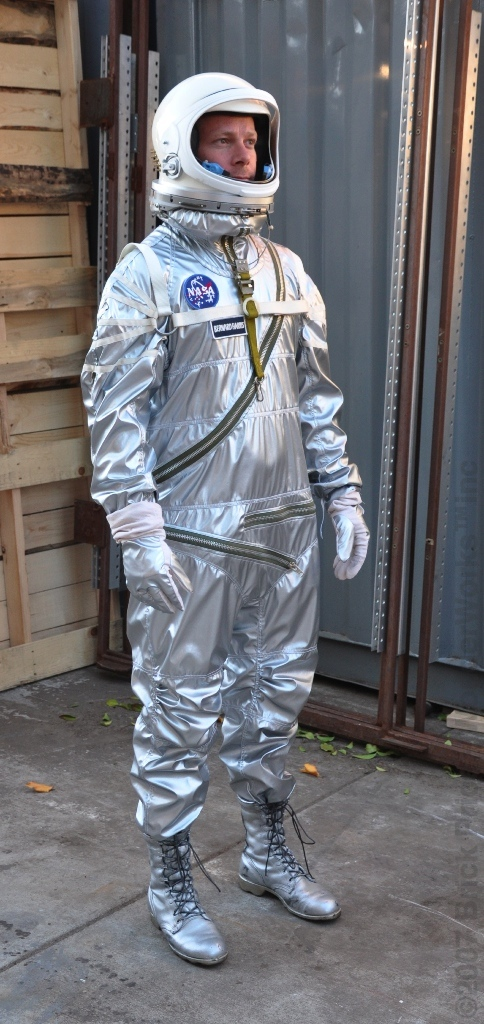 real space suit costume - photo #35